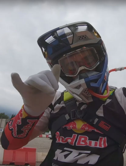 OUTLANDER™ 4L - READY FOR HARD ENDURO WITH MANUEL LETTENBICHLER